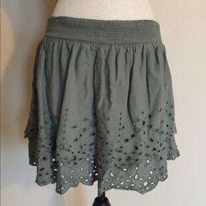 Adorable ruffle skirt with eyelets